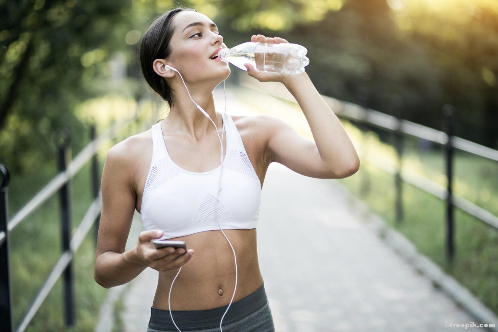 Lebenselixier Wasser Trinken Durst