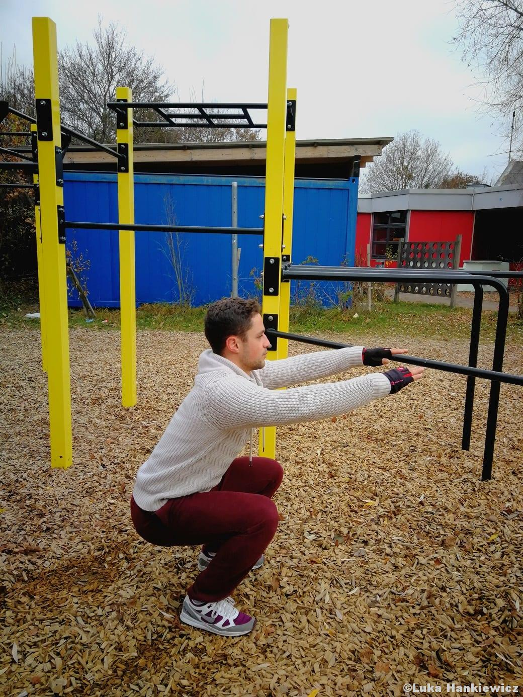 Calisthenics Kniebeuge Squat Bodyweightübung Funktionelles Training