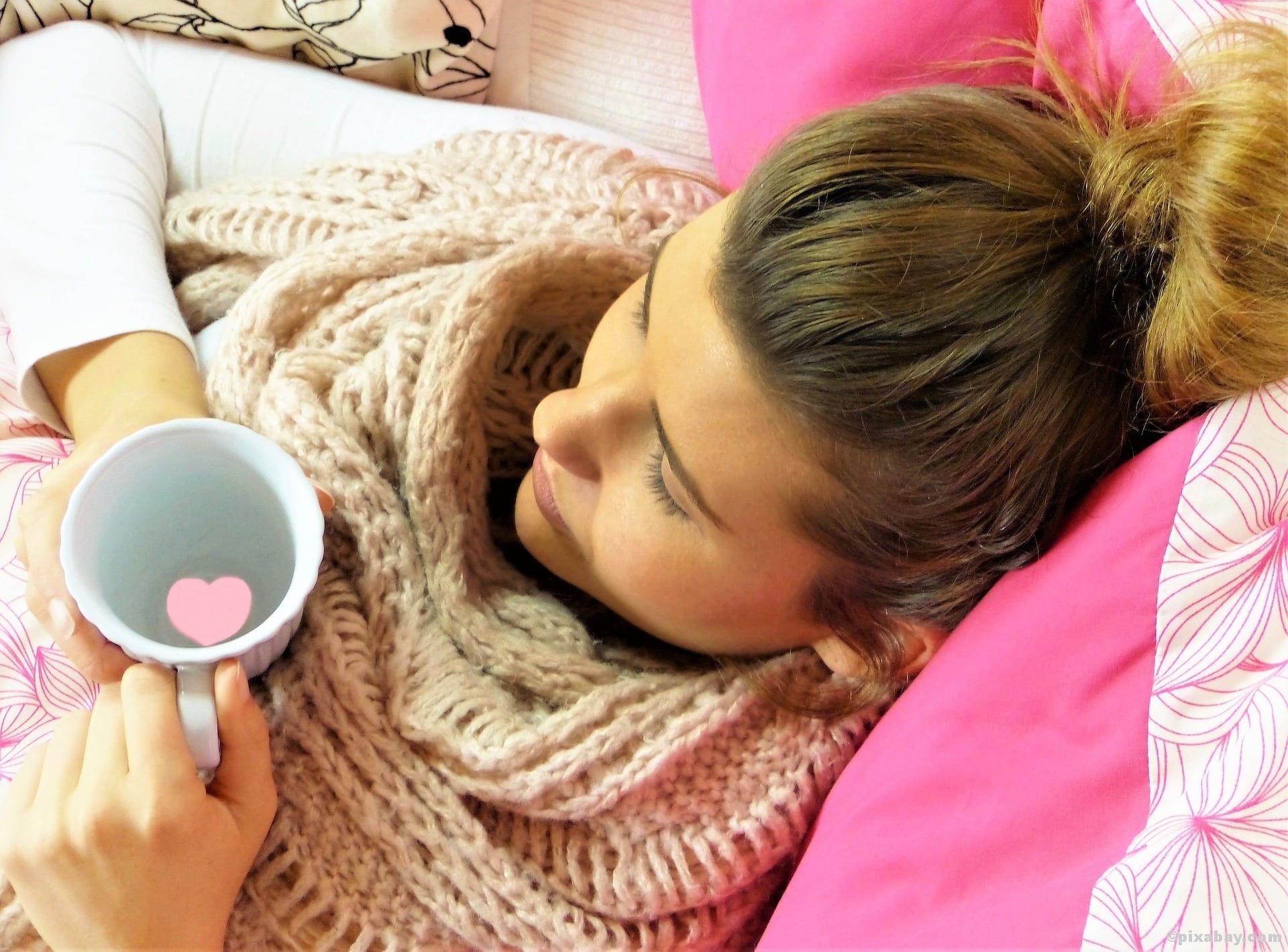 Schnupfen Training Erklältung Kranksein Krank Tee Fieber Halsweh Grippe